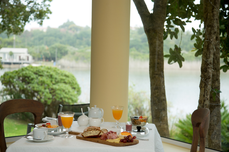 Wilderness accommodation luxury lakeside Guest House & Restaurant, Serendipity Country House, Garden Route, South Africa